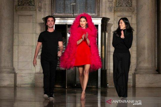 Penyihir berpakaian mewah ala Oscar de la Renta