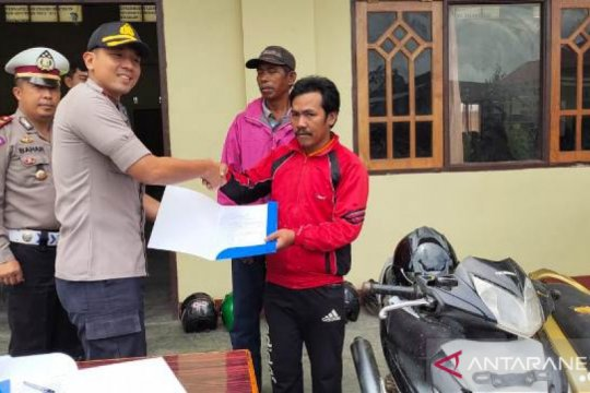 Polres Jayawijaya kembalikan 32 motor curian