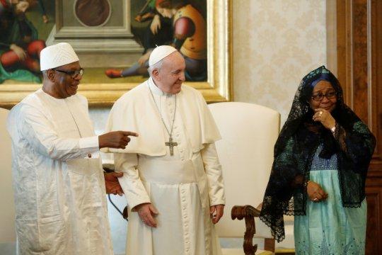 Presiden dan PM Mali ditahan pemberontak