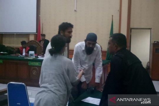 2 warga India dituntut 20 tahun penjara karena miliki 2,75 kg sabu