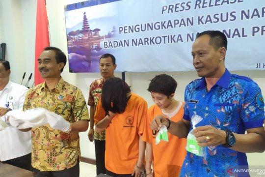 BNNP Bali tangkap dua kurir 1,8 kg sabu-sabu dan 788 butir ineks