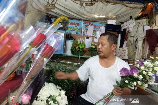 Pas hari Valentine, penjualan bunga di Pasar Kembang Cikini meningkat