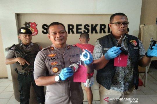Polres Kendari tangkap polisi gadungan yang memeras mahasiswi
