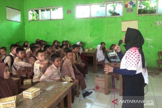 Jamkrindo kenalkan gaya hidup ramah lingkungan kepada pelajar SD