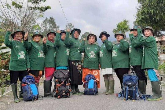 Kaum perempuan turun tangan menjaga hutan di Bener Meriah
