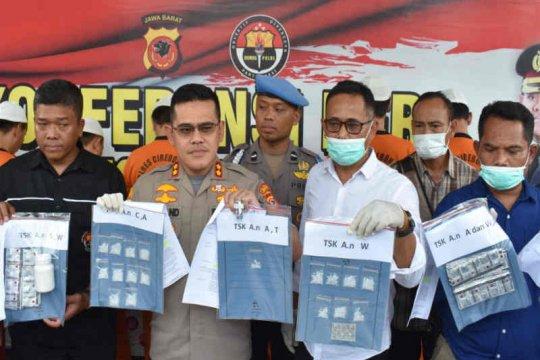 Polres Cirebon Kota bekuk tujuh pengedar sabu-sabu dan obat terlarang