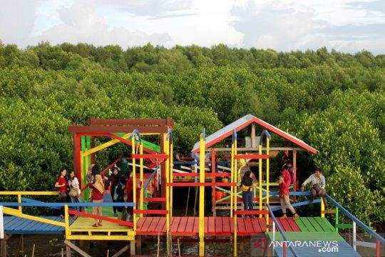 Ekowisata mangrove Lantebung di Makassar