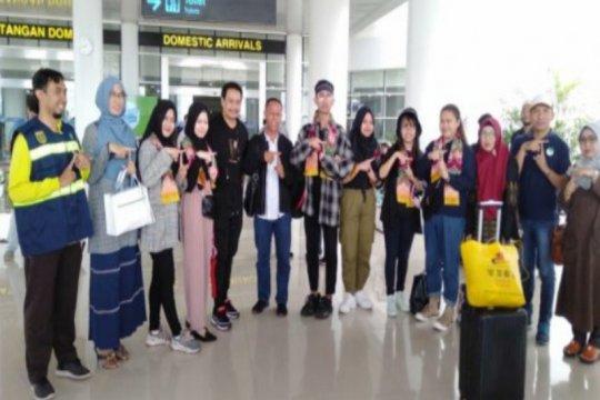 Enam mahasiswa asal Tabalong langsung diantar ke rumah