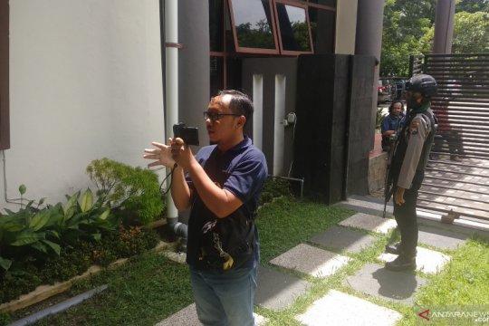 Penyidik KPK periksa ruangan Ketua dan Sekretaris DPRD Tulungagung