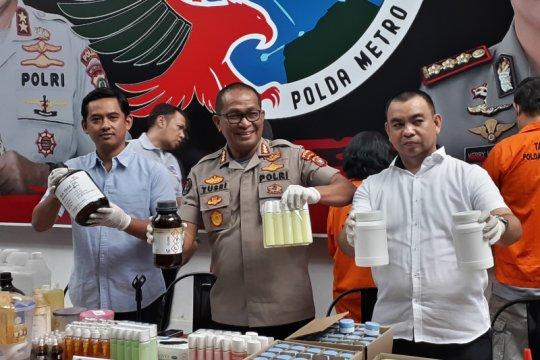 Polda Metro gerebek pabrik kosmetik ilegal di Depok