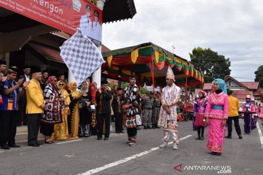 Susi Pudjiastuti lepas karnaval budaya HUT Kota Takengon