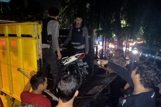 Belasan motor disita polisi usai kericuhan di Jalan Pemuda
