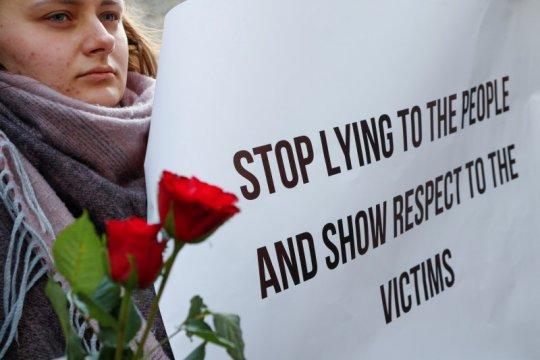 Kanada dan keluarga korban pesawat jatuh desak jawaban tambahan Iran