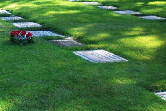 Harga pemakaman di San Diego Hills, tempat Ashraf dikebumikan