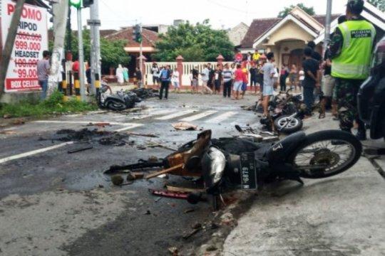 Polisi mendata korban luka akibat kerusuhan suporter di Blitar