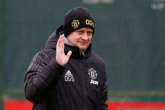 Van Persie minta Manchester United tidak gonta-ganti pelatih