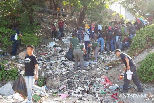Pemprov Gorontalo wajibkan semua kantor gunakan botol minum isi ulang