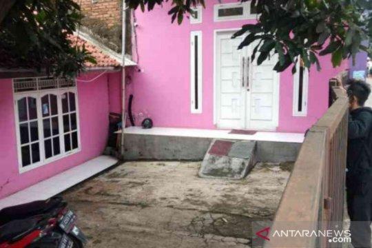 Anak mantan anggota dewan Bekasi diringkus karena palsukan dokumen