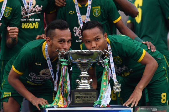 Pelatih berharap konsistensi Persebaya setelah juarai Piala Gubernur