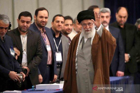 Khamenei janji akan membalas pembunuhan Fakhrizadeh