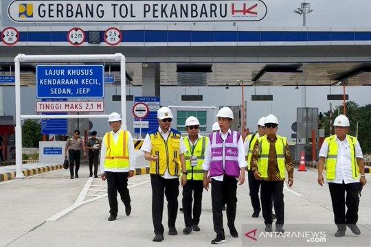 Presiden Jokowi tinjau pembangunan Tol Pekanbaru-Dumai