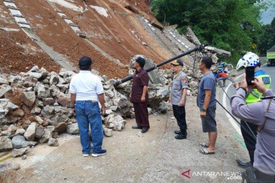 Longsor di Limbangan terjadi saat gempa Tasikmalaya, sebut BPBD
