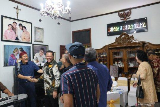 Mantan komisioner KPK Saut Situmorang gagas Rumah Bhinneka