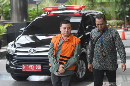 Kader PDIP didakwa suap komisioner KPU Wahyu Setiawan Rp600 juta