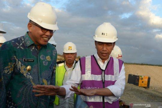 Presiden tinjau perkembangan jalan tol Aceh