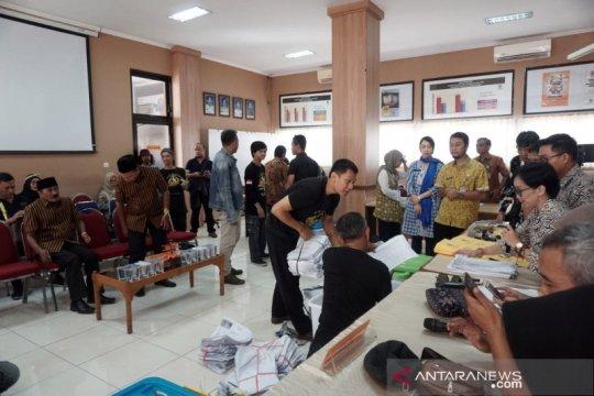 Pilkada Surakarta, pasangan Bajo serahkan 41.425 syarat dukungan