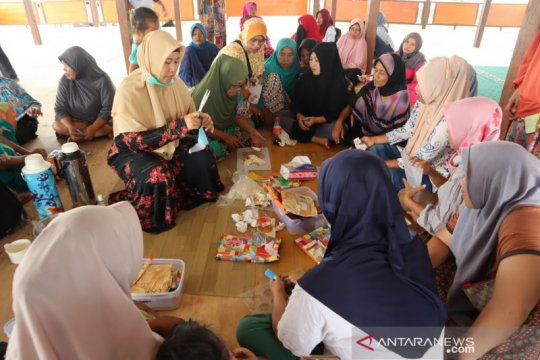ACT latih penyintas bencana Sigi membuat makanan olahan cokelat