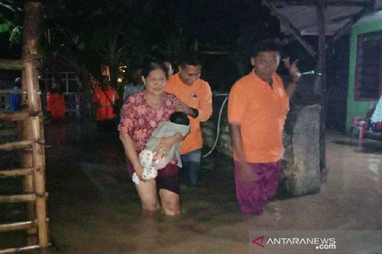 Banjir genangi perkampungan warga di Pamekasan