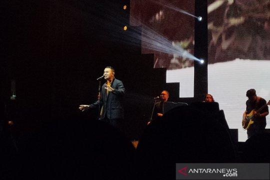 Tulus tampil bawakan lagu pilihan fans di Love Fest 2020