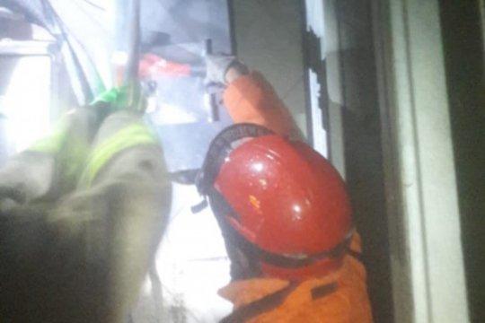 Minimarket di Rawamangun terbakar akibat tersambar petir