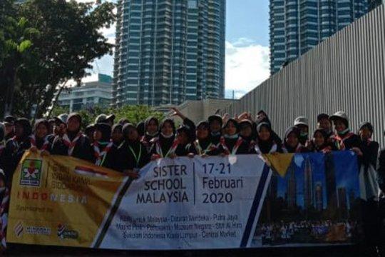 SMPIT Insan Kamil Sidoarjo kunjungan ke Malaysia