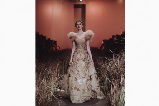 Desainer Indonesia Hian Tjen pamerkan koleksi di Milan Fashion Week