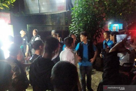 BNN geledah rumah diduga pabrik narkotika di Bandung