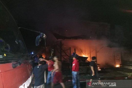 Polisi dalami kasus kebakaran empat bangunan di Buntok
