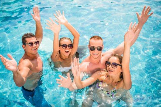 Perempuan bisa hamil saat berenang di kolam renang tapi ada syaratnya