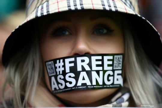 Julian Assange jadi ayah 2 anak selama sembunyi di kedubes Ekuador