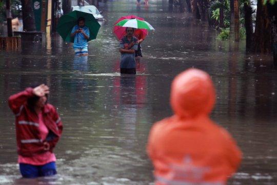 Hujan lebat sebabkan banjir di 13 titik di Kota Tangerang