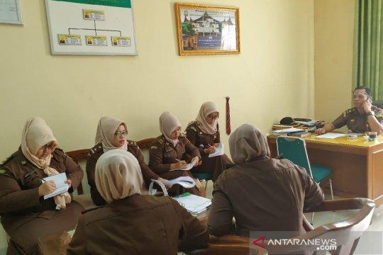 Kejari kerahkan 20 jaksa untuk proses program KMK macet di Padang