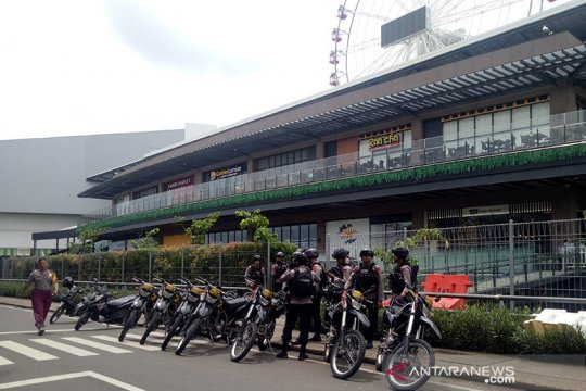 Pascaunjuk rasa Mall AEON tutup dan dijaga polisi