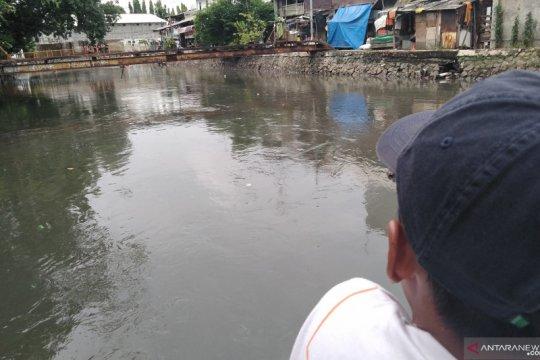 Remaja tewas tenggelam saat berenang di Anak Kali Ciliwung
