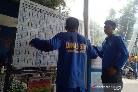 SDA DKI turunkan 8.000 petugas tangani banjir Jakarta