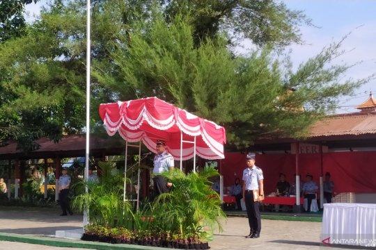 966 WN China ajukan permohonan izin tinggal keadaan terpaksa