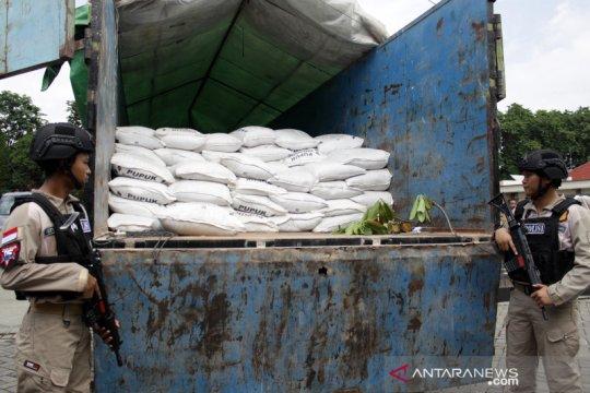 Polisi sita 22 ton pupuk ilegal