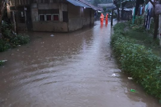 Sejumlah wilayah Jakarta Selatan tergenang air