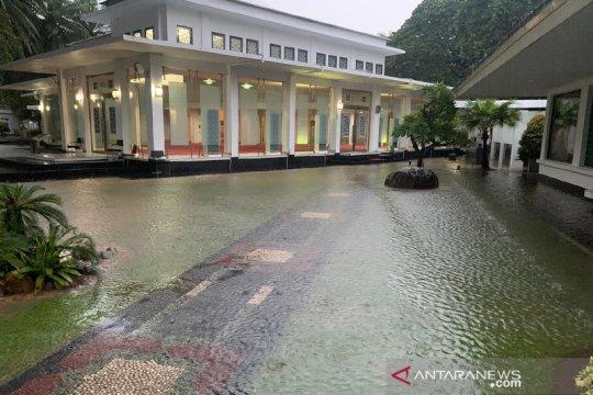 Kawasan istana kepresidenan sempat kebanjiran