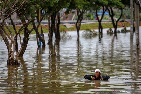 Kumpulan foto banjir di Jakarta, Tangerang dan Bekasi di sepanjang hari ini